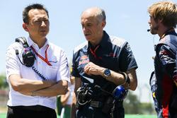 Yusuke Hasegawa, Senior Managing Officer, Honda, with Franz Tost, Team Principal, Scuderia Toro Rosso