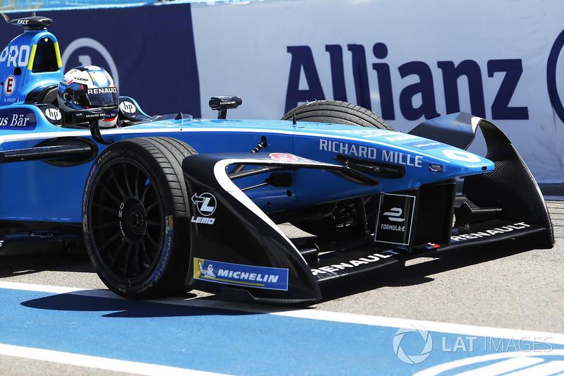 Nicolas Prost, Renault e.Dams, ritorna ai box con la monoposto danneggiata