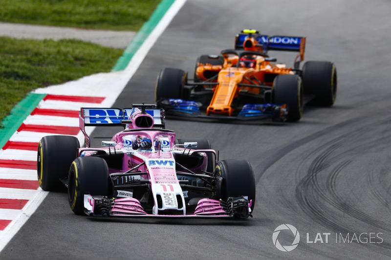Серхио Перес, Sahara Force India F1 VJM11, и Стоффель Вандорн, McLaren MCL33