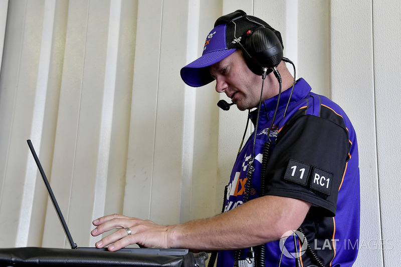 Denny Hamlin, Joe Gibbs Racing, Toyota Camry FedEx Freight crew chief Mike Wheeler