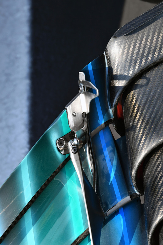 Mercedes AMG F1 W09 voorvleugel detail