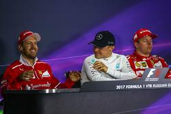 Победитель Валттери Боттас, Mercedes AMG F1, второе место – Себастьян Феттель, Ferrari, Кими Райкконен, Ferrari, – третье место
