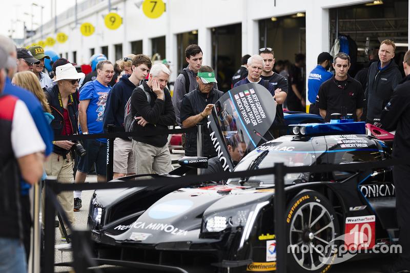 #10 Wayne Taylor Racing Cadillac DPi: Ricky Taylor, Jordan Taylor, Max Angelelli, Jeff Gordon