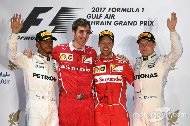 Bahreyn GP, Podyum: Yarış galibi Sebastian Vettel, Ferrari, 2. Lewis Hamilton, Mercedes AMG F1, 3. Valtteri Bottas, Mercedes AMG F1