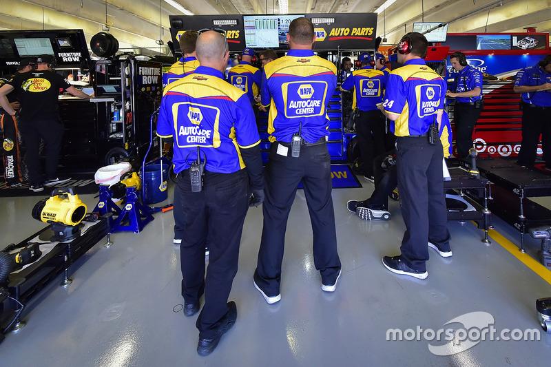 Chase Elliott, Hendrick Motorsports Chevrolet crew