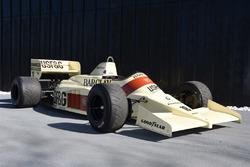 Построенный для сезона-1986 Arrows A9, пилотировавшийся Тьерри Бутсеном на Гран При Германии и Австрии и Кристианом Даннером на Гран При Венгрии