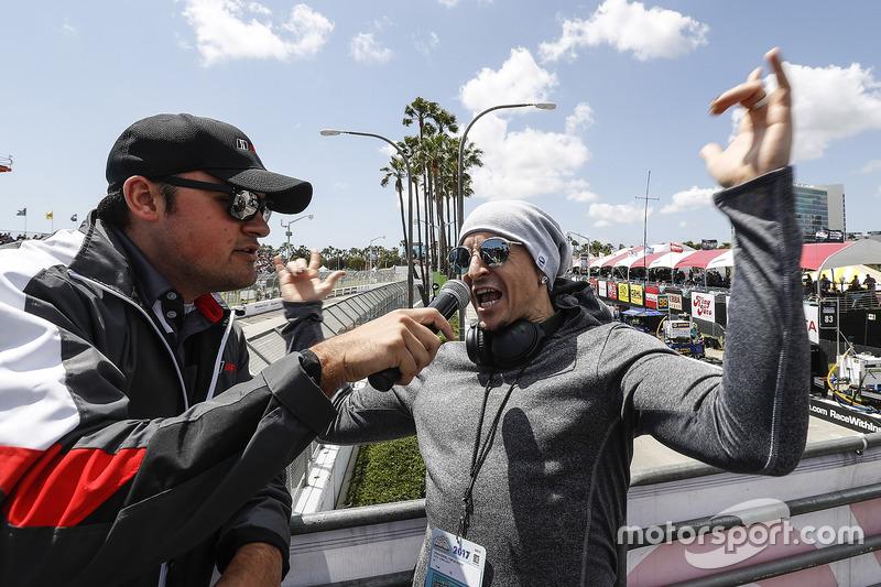 Честер Беннігтон, Linkin Park, дає команду заводити двигуни