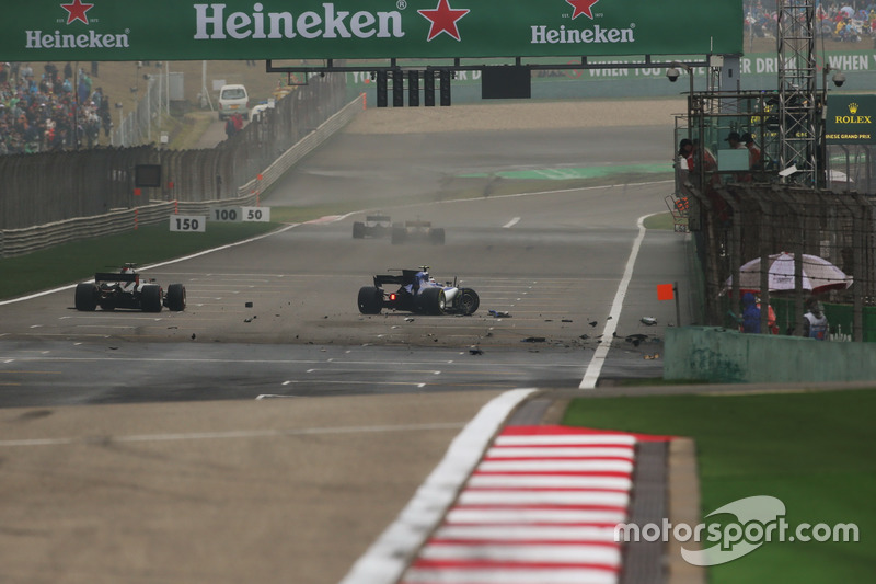 Unfall von Antonio Giovinazzi, Sauber C36