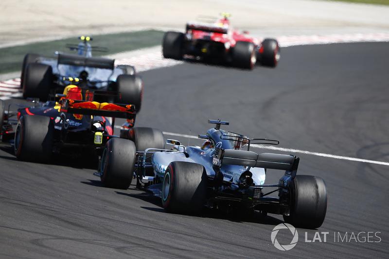 Kimi Raikkonen, Ferrari SF70H, Valtteri Bottas, Mercedes AMG F1 W08, Max Verstappen, Red Bull Racing RB13 y Lewis Hamilton, Mercedes AMG F1 W08