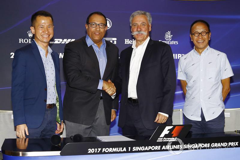 Pressekonferenz: Lionel Yeo, Geschäftsführer Tourismus, Singapur, S. Iswaran, Minister für Handel und Industrie, Singapur, Chase Carey, Formel-1-Chef, Ong Beng Seng