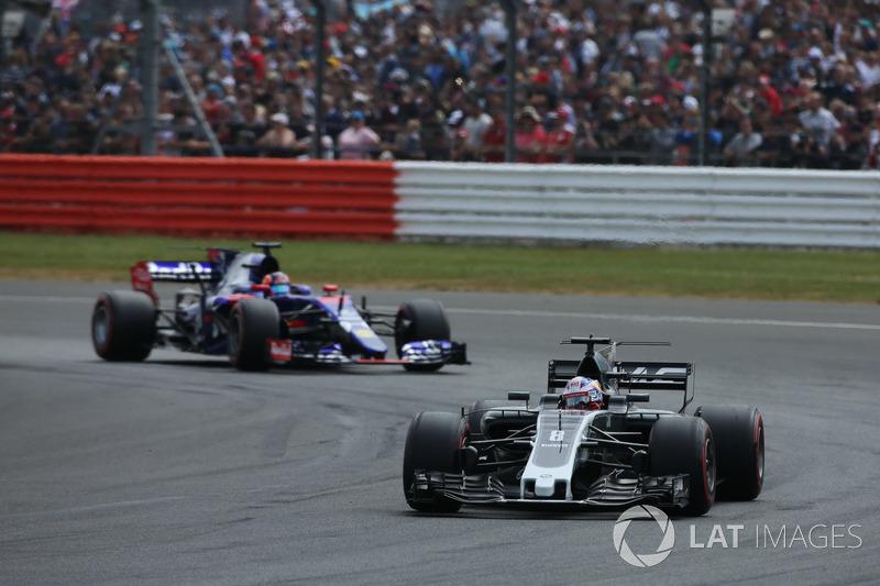 Romain Grosjean, Haas F1 Team VF-17, Daniil Kvyat, Scuderia Toro Rosso STR12