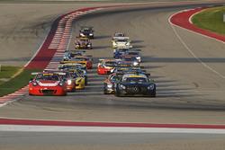 #58 Wright Motorsports Porsche 911 GT3 R: Patrick Long, Jörg Bergmeister, #54 Black Swan Racing Mercedes AMG GT3: Tim Pappas, Jeroen Bleekemolen