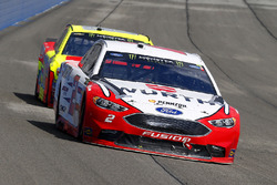 Brad Keselowski, Team Penske Ford and Dale Earnhardt Jr., Hendrick Motorsports Chevrolet