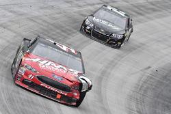Kurt Busch, Stewart-Haas Racing Ford, Reed Sorenson, Premium Motorsports Toyota