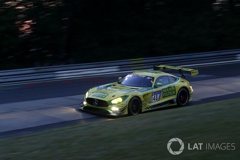 #48 Mann-Filter Team HTP Motorsport, Mercedes-AMG GT3: Kenneth Heyer, Bernd Schneider, Indy Dontje,