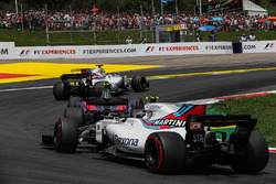 Felipe Massa, Williams FW40, Carlos Sainz Jr., Scuderia Toro Rosso STR12, Lance Stroll, Williams FW40 start esnasında