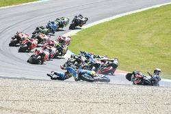 Choque de Jack Miller, Marc VDS, Loris Baz, Avintia Racing, Alvaro Bautista, Aprilia Racing Team Gresini
