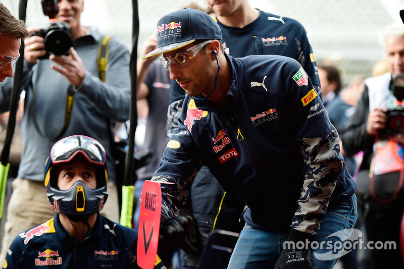 Daniel Ricciardo, Red Bull Racing beim Boxenstopptraininhg