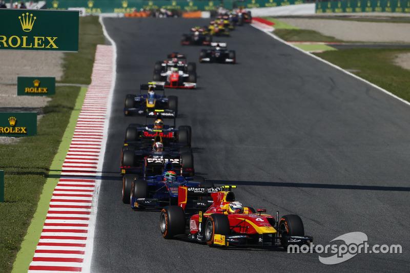 Jordan King, Racing Engineering devant Sergio Canamasas, Carlin