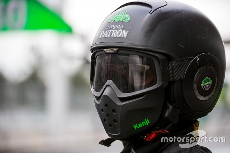 Extreme Speed Motorsports pit crew