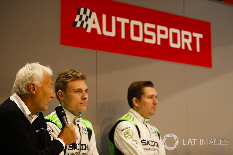 Michal Hrabanek, Pavel Hortek, Pontus Tideman and Emil Axelsson of Skoda talk to Henry Hope-Frost on