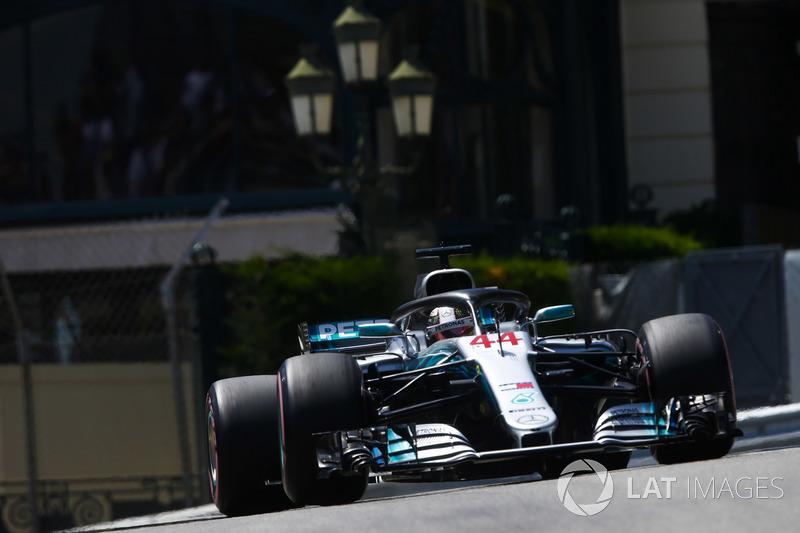 3: Льюис Хэмилтон, Mercedes AMG F1 W09 – 1:11.232