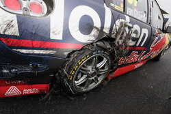 Shane van Gisbergen, Triple Eight Race Engineering Holden damaged car