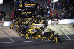 Brendan Gaughan, Richard Childress Racing Chevrolet, pit stop