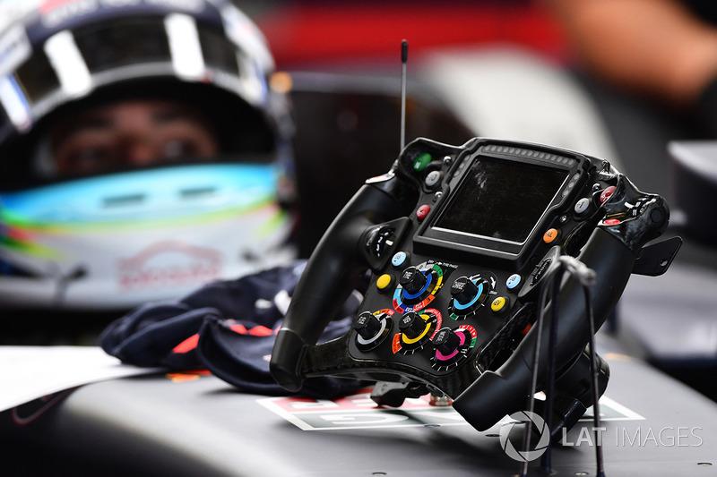 Daniel Ricciardo, Red Bull Racing RB13 volante