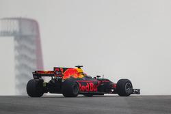 Daniel Ricciardo, Red Bull Racing RB13 spins