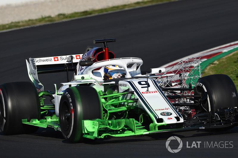 O carro de Marcus Ericsson contou com tinta para medir o fluxo do ar, além das grades.