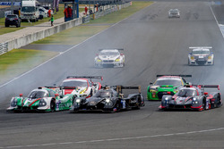 Start action, #25 Algarve Pro Racing Ligier JSP2 Nissan: Andrea Roda, Matt McMurry, Andrea Pizzitola, #11 GH Motorsport: Ligier JS P3: Hanss Lin, Scott Andrews, Ye Hong Li