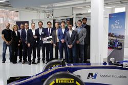 Ronnie van Grotel (Service Engineer, Additive Industries), Irina Schatorjé (Marketing Manager, Additive Industries), Axe Kruse (Production Director, Sauber Motosport AG), Christoph Hansen (Chief Wind Tunnel Production, Sauber Motorsport AG), Daan Kersten (co-founder/CEO, Additive Industries), Jonas Wintermans (co-founder/COO, Additive Industries), Pascal Picci (Chairman, Sauber Holding AG), Frederik Ulfsäter (Advisor to the board, Sauber Motorsport AG), Martijn Hamers (Manager Customer Lifecycle Support, Additive Industries), Steffen Schrodt (Head of Wind Tunnel Operations, Sauber Motorsport AG), Enrico Brunner (Manufacturing Operator, Sauber Motorsport AG), Marco Gehrig (Leader Metal AM, Sauber Motorsport AG), Marcelo Orchis (Partnership Manager, Sauber Motorsport AG)