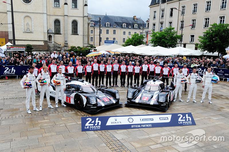 #1 und #2: Porsche Team