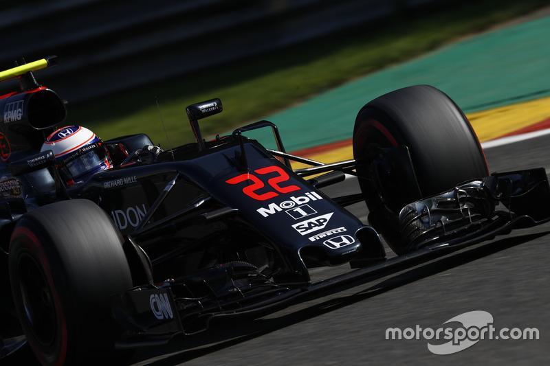 Jenson Button, McLaren on track.