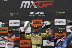 Il podio: da sinistra Antonio Cairoli, Tim Gajser e Romain Febvre