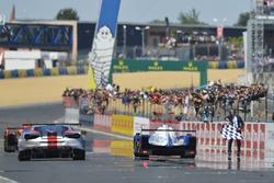 Checkered flag for #31 Vaillante Rebellion Racing Oreca 07 Gibson: Julien Canal, Bruno Senna, Nicolas Prost