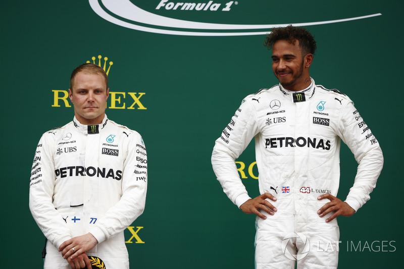 <p> Mercedes </p> <p> Media de edad: 30.5 años </p><p> Suma de edad: 61 años </p>