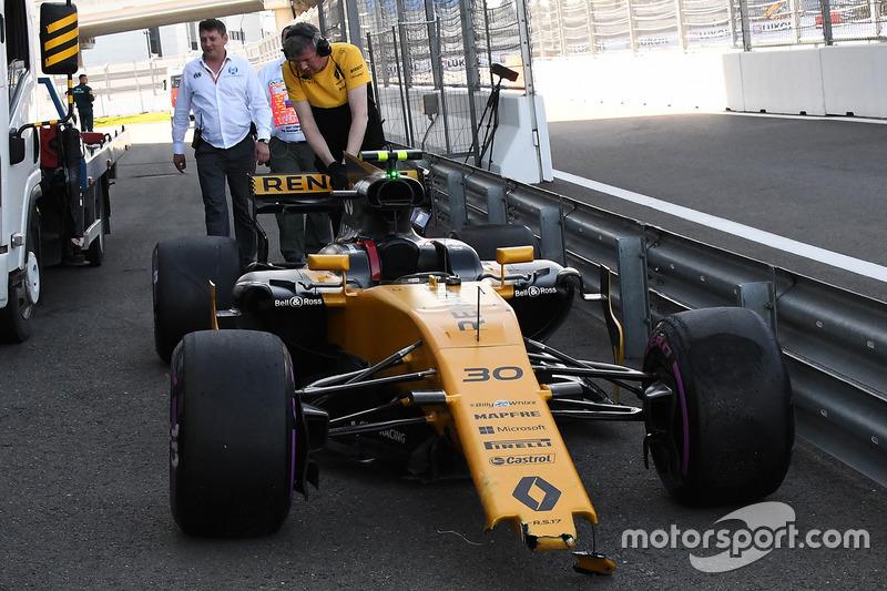Розбитий Renault Sport F1 Team RS17 Джоліона Палмера