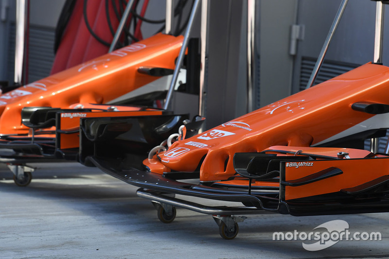McLaren MCL32 front wing detail and #BillyWhizz