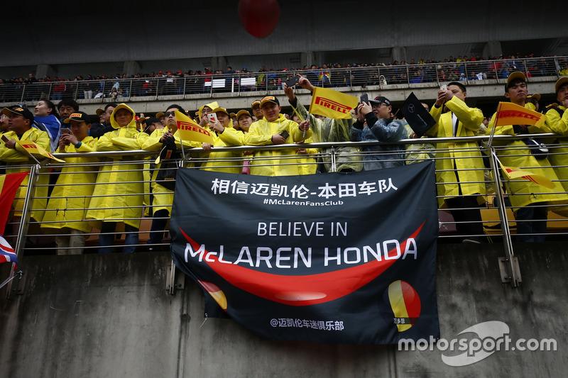 Fans of McLaren Honda in the grandstands