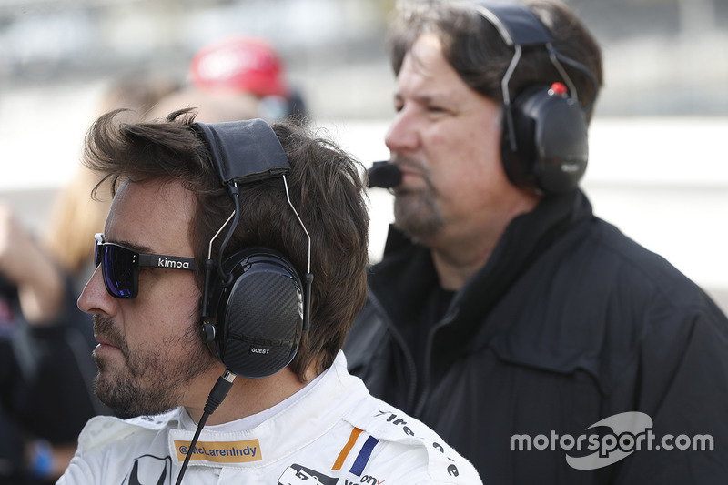 Фернандо Алонсо, Andretti Autosport Honda, и Майкл Андретти