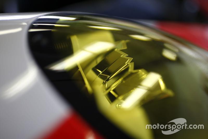 #912 Porsche Team North America Porsche 911 RSR: Kevin Estre, Laurens Vanthoor, Richard Lietz, headl