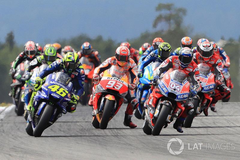 Start: Andrea Dovizioso, Ducati Team, ambil alih posisi terdepan dari Valentino Rossi, Yamaha Factory Racing