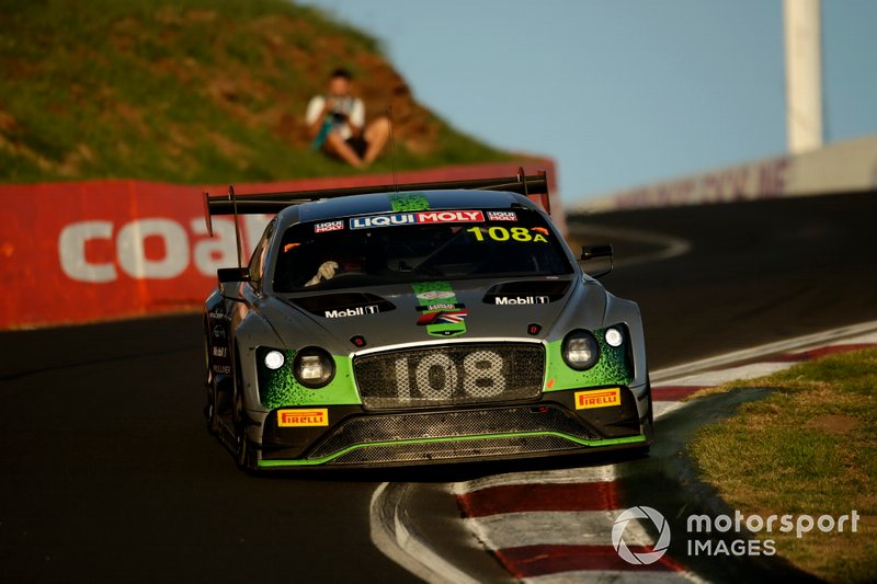 #108 Bentley Team M-Sport Bentley Continental GT3: Andy Soucek, Maxime Soulet, Vincent Abril