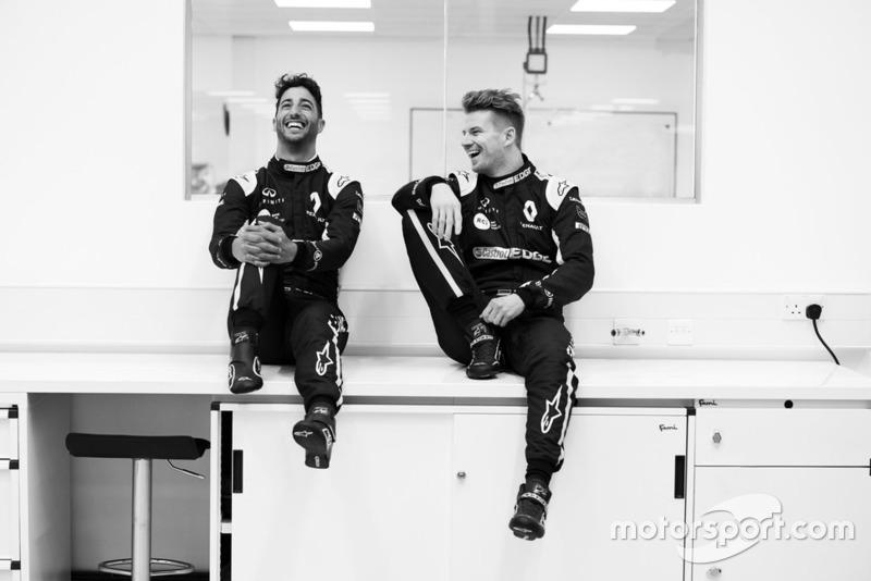 Daniel Ricciardo ve Nico Hulkenberg