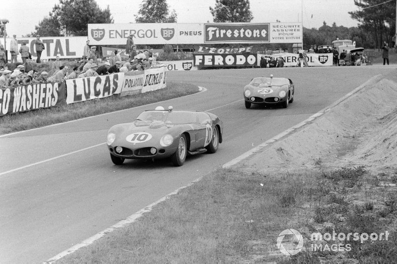 The Hill/Gendebien V12 Ferrari 250 TRI/61 heads to another Le Mans triumph in '61, here chased by the Ginther/von Trips V6 246SP which would fail to go the distance.