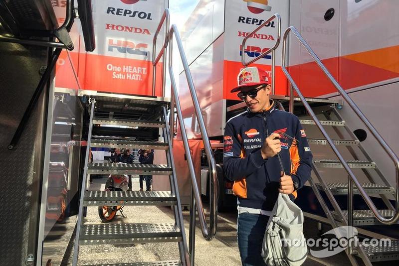 Marc Márquez aan de Repsol Honda truck