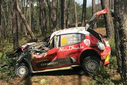 La Citroën C3 WRC de Kris Meeke, Paul Nagle, Citroën World Rally Team, après leur sortie de route