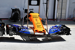 Ніс і переднє антикрило McLaren MCL33